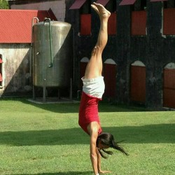 mariaheadstand